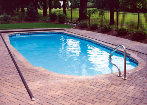Medium Classic Fiberglass Pool - Savannah