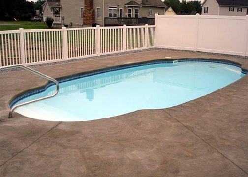 Medium Oval Fiberglass Pool - Pompano Beach