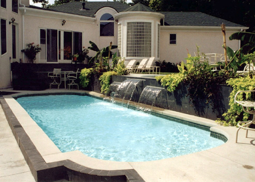 Medium Sport Fiberglass Pool - Dolphin