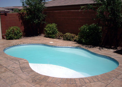 Small Fiberglass Inground Swimming Pools : Small freeform fiberglass pool crystal cove