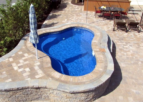 Small Fiberglass Inground Swimming Pools : Small freeform fiberglass pool montreal