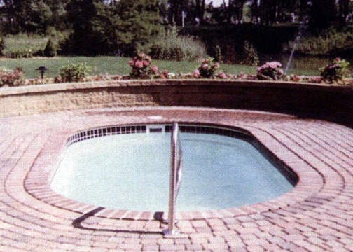 Small Oval Fiberglass Pool - Lakeside
